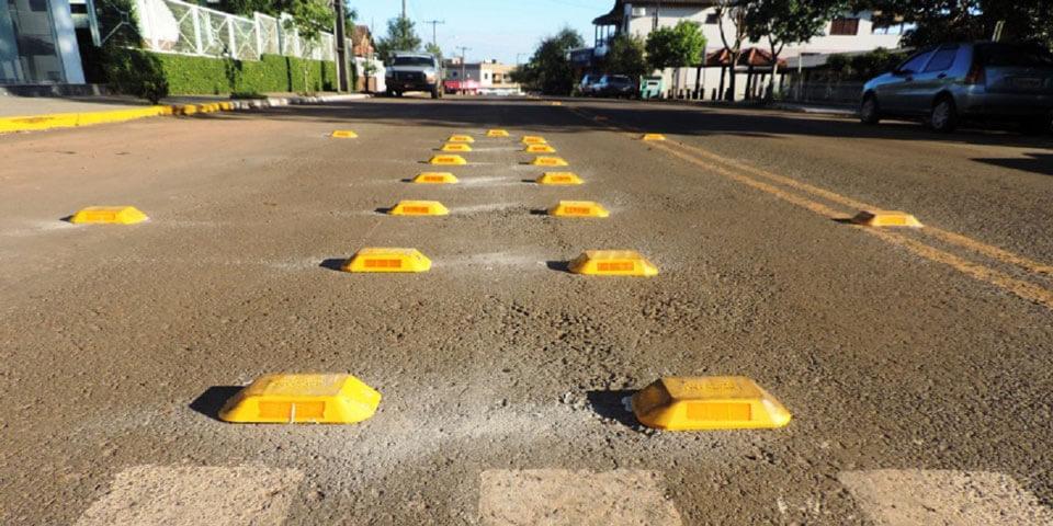 dispositivos auxiliares vias rodovia viario